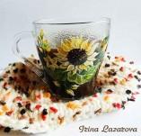 191/2079/Рисувани и облечени чаши-Ръчно рисувани стъклени и порцеланови чаши-Ръчно рисувана стъклена чаша със слънчогледи