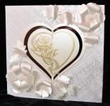 40/215/Сватбени-Покани и картички-Сърце със златна роза