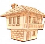 182/2275/Елементи от бирен картон и дърво-Лазерно изрязани фолклорни фигури от бирен картон -Лазерно изрязана възрожденска къща от дърво
