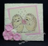 145/2366/Картички-Романтични картички-Обичам те с таралежчета ръчно изработена картичка